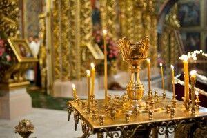 Чоловік увірвався до церкви і погрожував накласти на себе руки, бо «нема настрою»