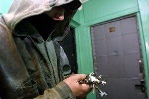 Приходив і стукав у двері 7 разів: засудили лучанина, який грабував квартири в місті