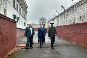 Прокурор Рівненської області перевіряв, як ведеться ув'язненим у місцевому слідчому ізоляторі