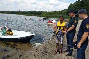 Волинські рятувальники зробили просвітницький рейд на озеро Пісочне