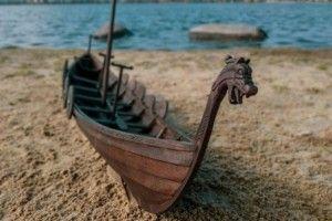 У Рівному будують варязький човен