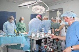 Коли волиняни піднімали келихи, у Ковелі медики імплантували тимчасовий водій ритму серця
