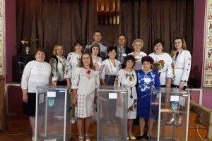 На батьківщині Степана Кривенького день виборів члени комісії розпочали піснею «Волинь моя»
