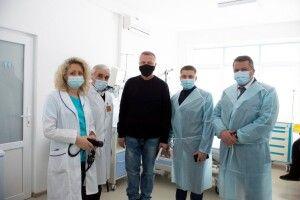 Чоловіка, якому вперше в Рівному пересадили серце, перевели до міської лікарні