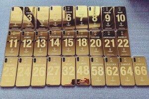 За перемогу в Лізі чемпіонів футболістам «Ліверпуля» подарували золоті смартфони iPhone X
