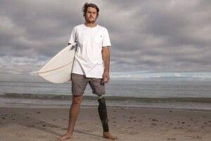 Австралієць виборов право назуб акули, яка його ледь невбила
