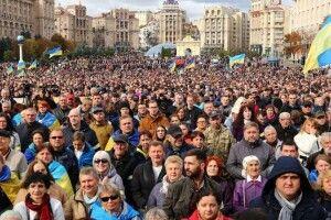 Петро Порошенко: «Люди знову вийшли на майдани захищати Україну»