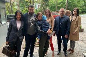 Викрадений у Запоріжжі хлопчик повертається додому