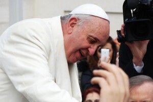 Папа Римський «благословив» перемовини Зеленського та Путіна