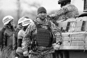 Порошенко висловив співчуття у зв'язку із смертю бойового комбрига Євгена Коростельова