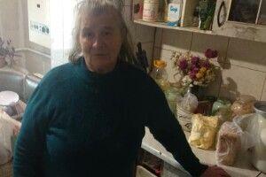 На Рівненщині 70-річна бабуся сама виховує трьох онуків. Родині потрібна допомога