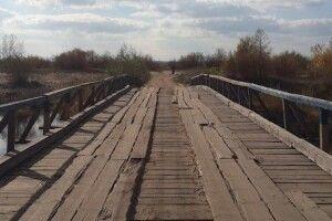 На Рівненщині дерев'яного моста віднесло течією за 15 кілометрів від села