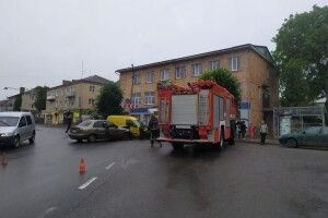 У Горохові зіткнулись три авто: троє людей – у лікарні