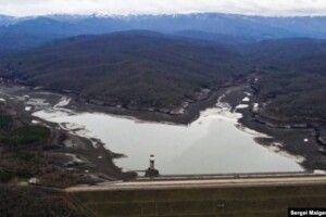 Дефіцит прісної води: в Криму продовжують міліти водосховища і висихати річки