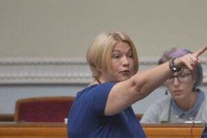 «Слуги народу» заборонили Ірині Геращенко брати участь у п'яти пленарних засіданнях парламенту за «зелених чоловічків»