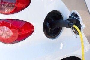 Українці активніше купують електромобілі