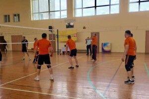 Камінь-каширські держслужбовці - «срібні» призери з волейболу