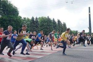 За півгодини в Луцьку стартує легкоатлетична естафета, приуроченарічниці Перемоги над нацизмом у Другій світовій війні