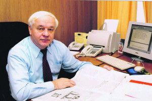 Волинянин Михайло Сорока  не дозволив Януковичу  стати Президентом у2004 році