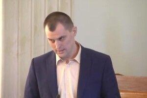 «Я так краще почуваюся»: депутат відмовився переходити на українську, в партії готують його виключення