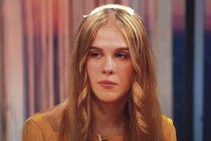 18-річна дівчина через перукарку залишилася без волосся