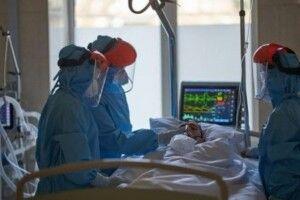 На Закарпатті в лікарнях бракує місць для хворих на коронавірус