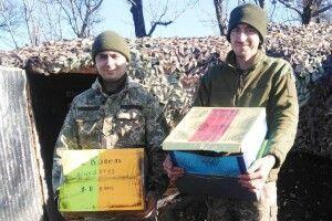Бійці 14-ї бригади отримали солодкі подарунки від волинських школярів
