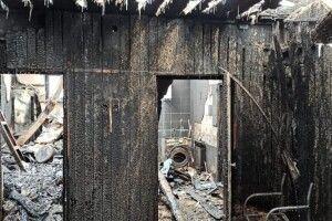 У волинського поліцейського згоріла хата: родині потрібна допомога (Фото)