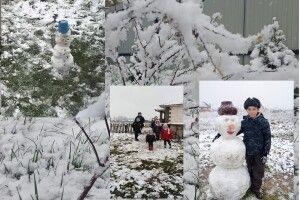 Першому снігу на Волині радіє дітвора – вже ліпить сніговиків (Фото)