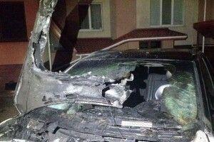 У Рівному підпалили автомобіль депутату