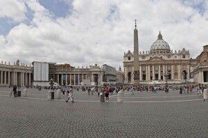Усі дороги ведуть до… Ватикану