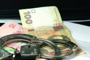 Волинянин пропонував патрульному 2 тисячі гривень хабара