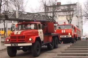 Лучани вимагають купити пожежну автодрабину, аби можна було ловити червоного півня на верхніх поверхах хмародряпів