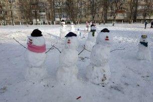У Вараші відбувся парад сніговиків (фото)