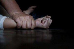 На Рівненщині чоловік зґвалтував 14-річну дівчину напередодні дня народження