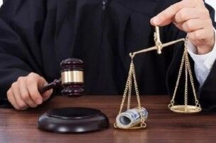 Скільки коштує купити потрібне… судове рішення