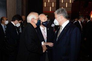 Петро Порошенко у Туреччині обговорив із Жозепом Боррелем підсумки саміту ЄС-США і загрози незаконної російської паспортизації на тимчасово окупованих територіях України