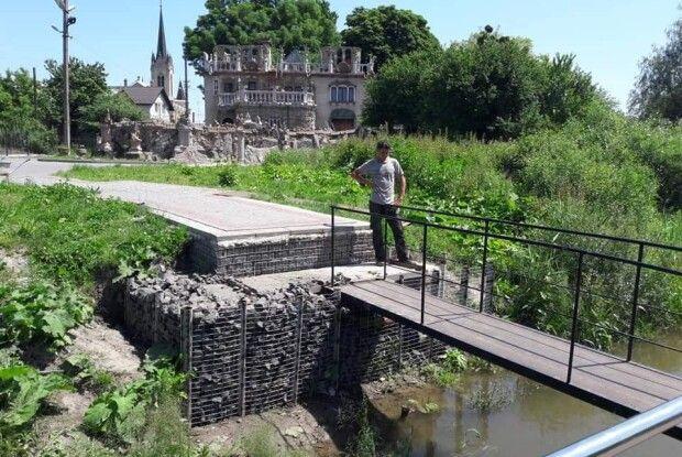 На що у ці дні перетворився волинський будинок з химерами Миколи Голованя (Фото)