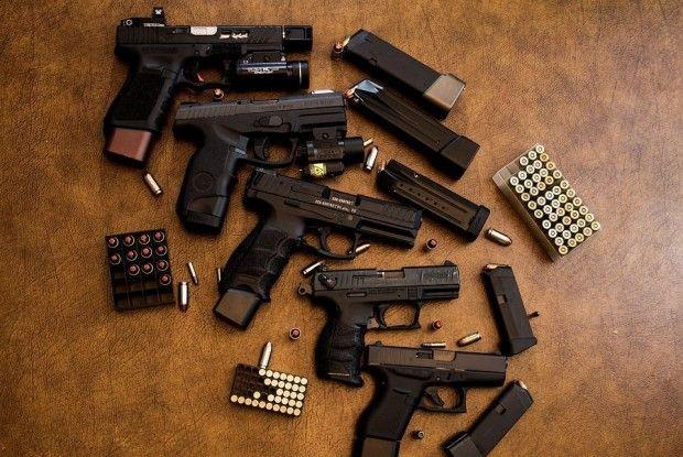 За місяць поліцейські Рівненщини вилучили у мешканців понад десять тисяч боєприпасів