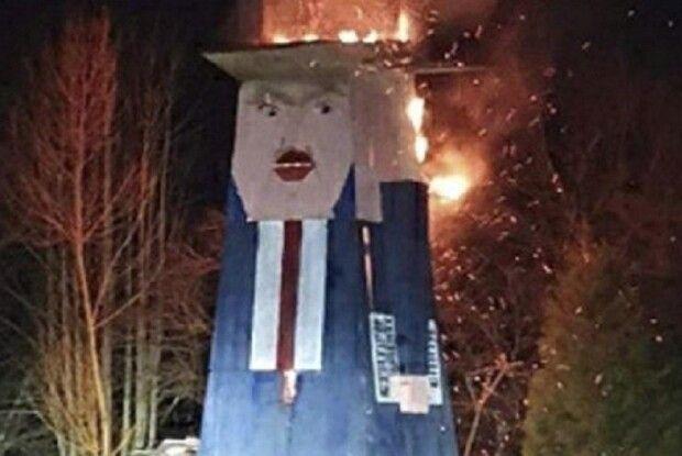 Спалили восьмиметрову дерев'яну статую Дональда Трампа (фото)