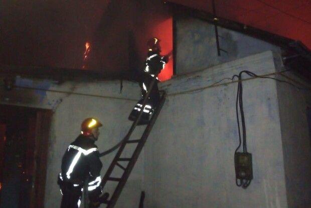 Пожежникам вдалося врятувати господиню будинку, господар загинув