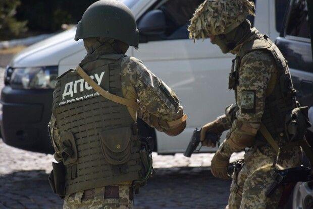 Прикордонники видворили з України нелегальних мігрантів (Відео)