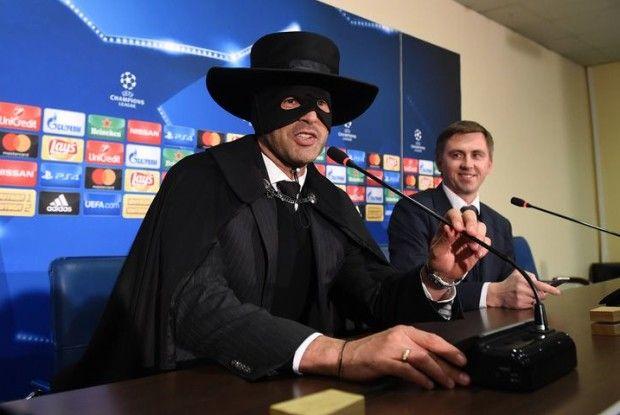 «Шахтар» переміг «Манчестер Сіті» – Паулу Фонсека вдягає костюм Зорро! (Відео)