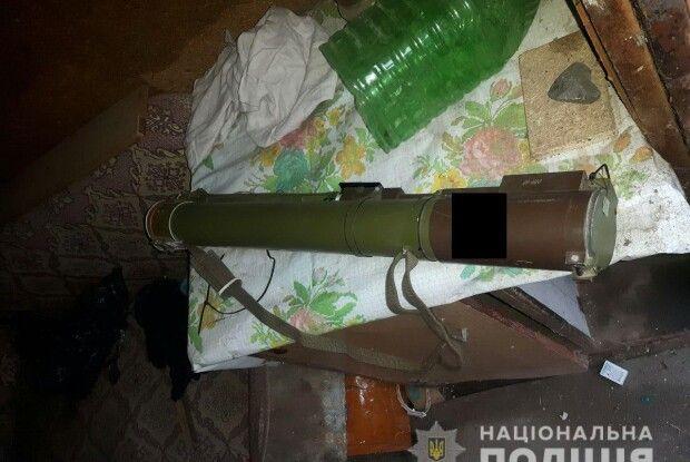 Злодії обчистили «Жигуля» 69-річного дубенчанина... і підкинули чоловікові протитанковий гранатомет (фото)