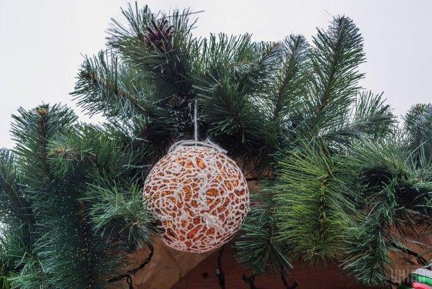 В Одесі новорічні ялинки мінятимуть на цукерки