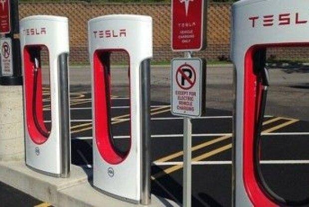Tesla відкриє в Україні 2 станції зарядки - Supercharger