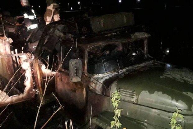 У військовому автомобілі під час пожежі загинув чоловік