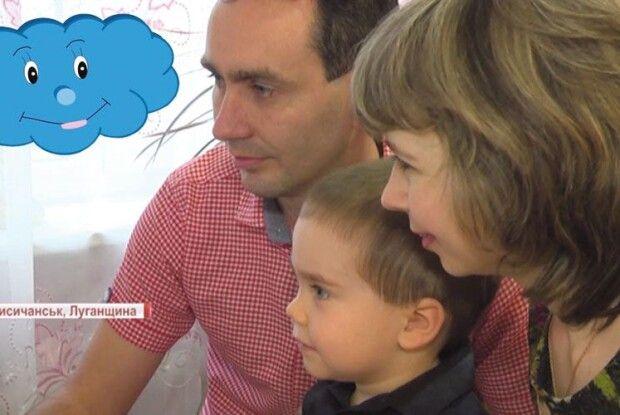 Сім'я зЛуганщини створює мультфільми українською ідопомагає військовим