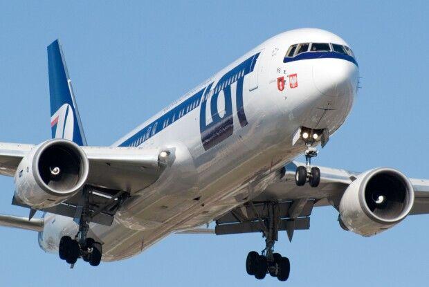 Літак з Варшави до Москвиз 63 пасажирами на борту повернувся назад до аеропорту імені Шопена