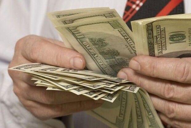 75-річного лучанина шахраї обдурили на 5 тисяч доларів